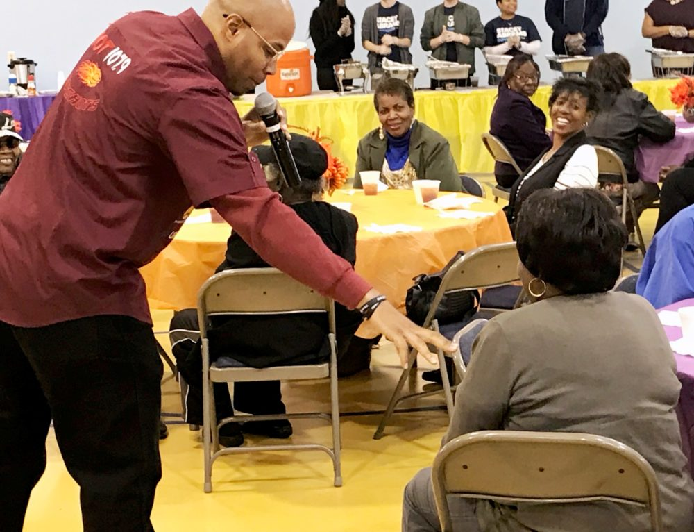 Reec, PAYUSA & Landing Tracts Team up To Feed Seniors For Thanksgiving!